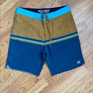 Men's billabong swim trunks 32